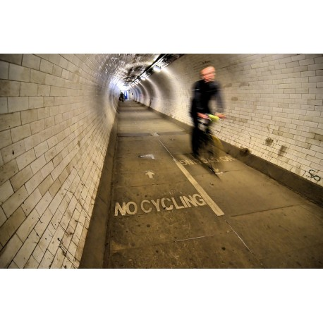 Illegal cyclist - Digigraphie